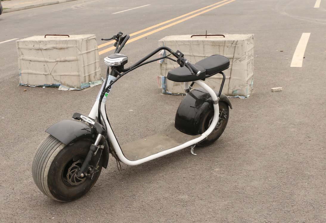 沃趣电动车评测,N1一次充电可跑100公里